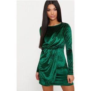 ✨PRETTYLITTLETHING✨Emerald Velvet Bodicon Dress